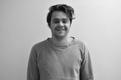 Erik Larsson (PR- og markedsføringsansvarlig